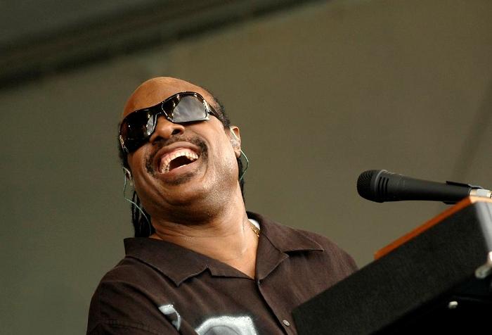 Stevie Wonder, lembrando velhas canções