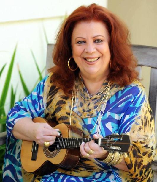 Beth Carvalho é homenageada pela Acadêmicos do Tatuapé