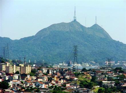 Pra quem vem do Triangulo Mineiro, o Pico do Jaraguá anuncia a chegada em São Paulo.