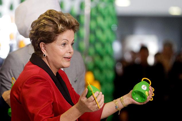 Dilma gostou da Caxirola;  quem sabe ela não toque na abertura da Copa?