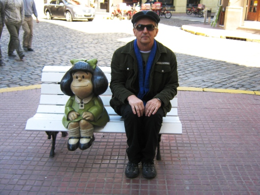 Com Mafalda, a personagem de Quino.