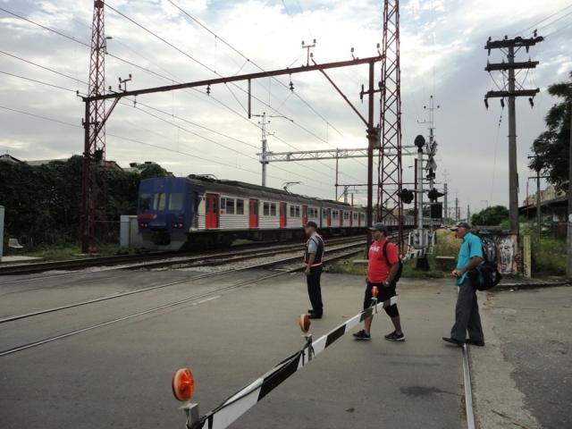 Os trens da linha 7 são velhos e com funcionamento precário.