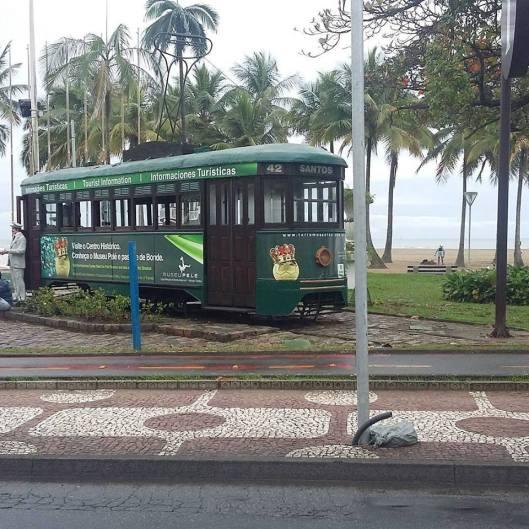 Em Santos, o bonde que me trouxe lembranças.