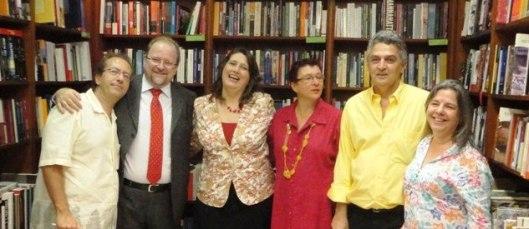Autores presentes no lançamento: Fernando Brengel, Victor Olszenski, Claudia Regina Bouman Olszenski, Vania Maria Lourenço Sanches, Valdo Resende e Vania de Toledo Piza