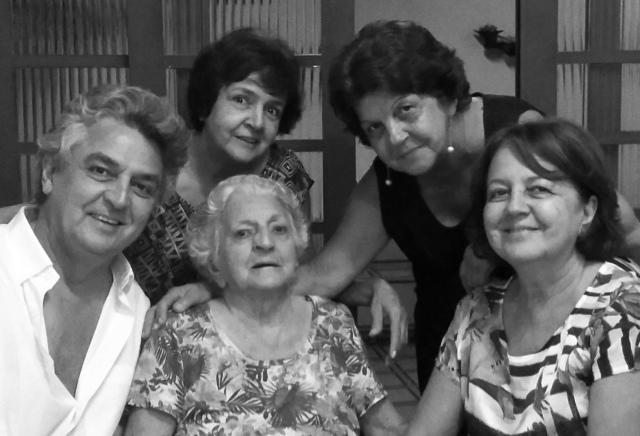 Mamae e nós.jpg