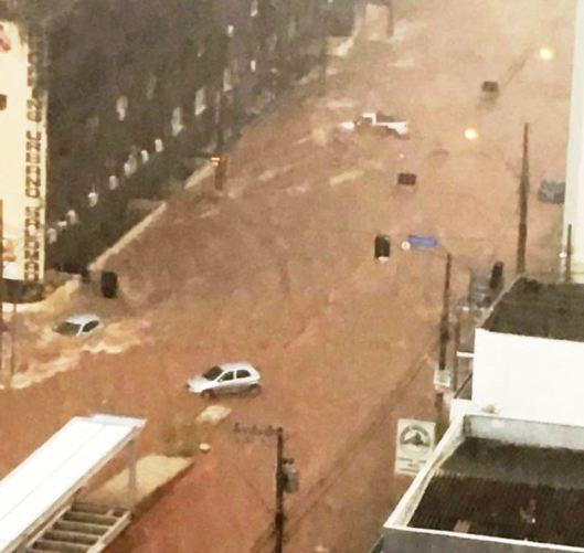 enchente em Uberaba